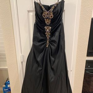 Jovani Prom Dress- BLACK- size 6